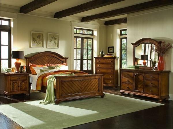 Chestnut Queen Master Bedroom Group-1451.jpg