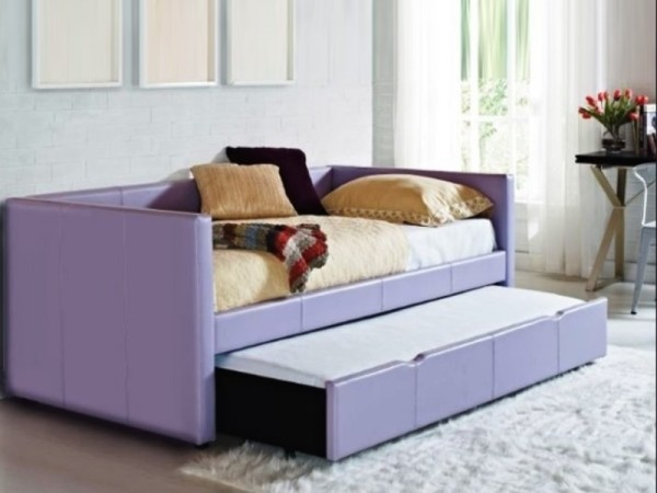 Lovely lavender daybed with a roll-out-1046-66Fu6459YFre.jpg
