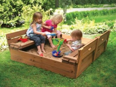 Portable-Sandbox-with-Benches-1589.jpg